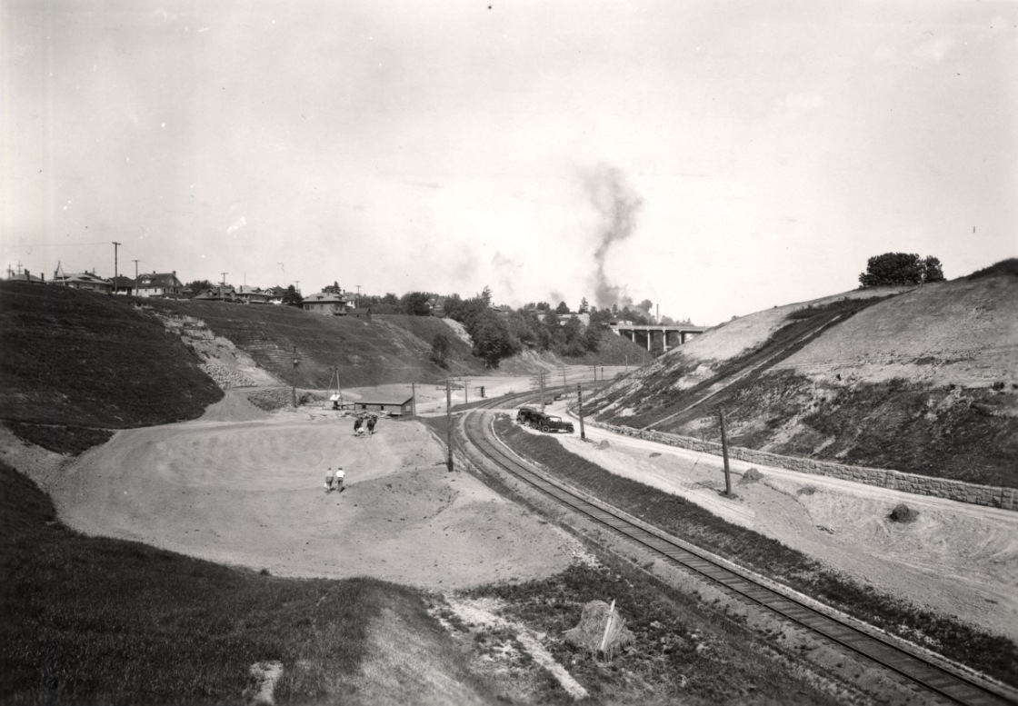 1932 Sullivan's Gulch golf course, under construction. City of Portland Archives a2009-009-1458