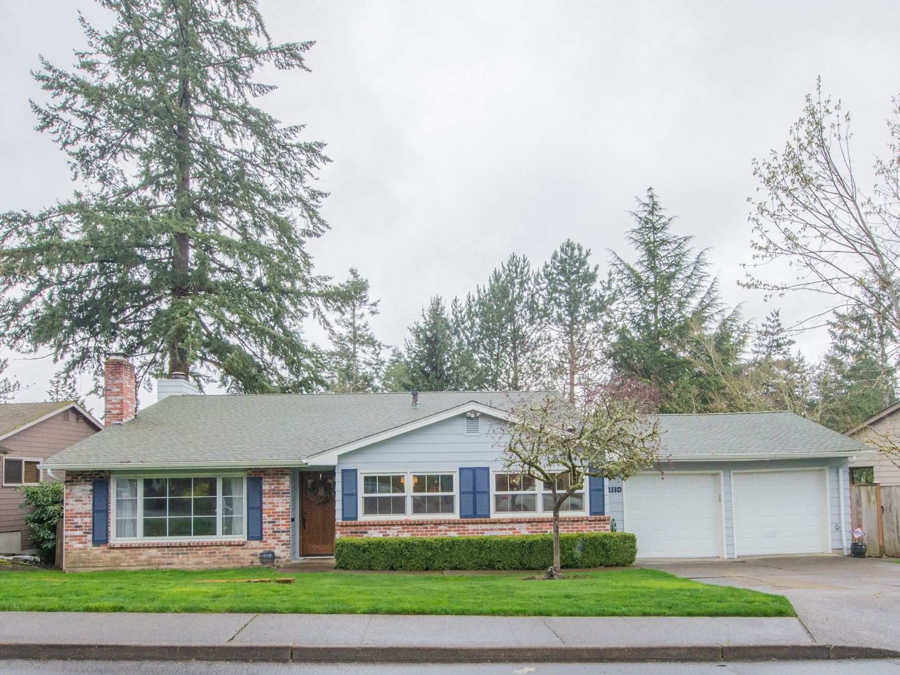 Fresh 4 Bedroom Home in the The Bluffs, NW Portland
