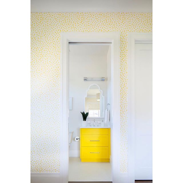 A little sunshine from the inside...and if you couldn't tell by the heat, summer isn't over just yet. ☼ Design: @mrsparanjape  Photo: @ryangarvin