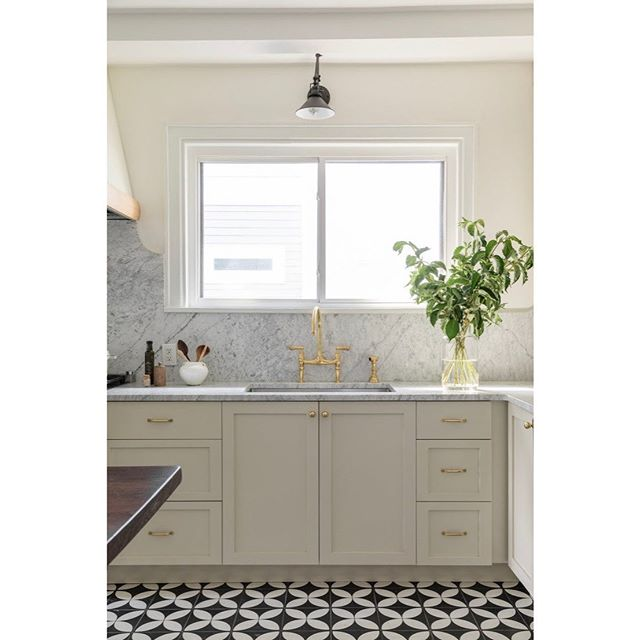 Another peek at Lauren's recent renovation #lbdeasthillkitchen  Design: @laurenbradshawdesign  Photo: @josephgbradshaw