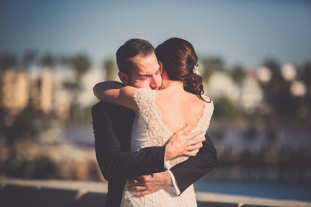 Elegant-seaside-wedding-gown-Sarah-Janks-Zoom-Theory-Photography-004.jpg