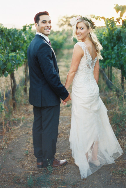 Winery-wedding-gown-Sarah-Janks-Briana-photo-Khanh-Hogland-006-434x648.jpg