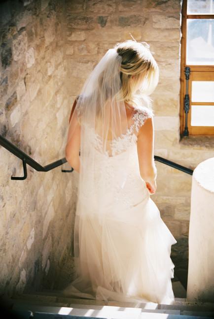 Winery-wedding-gown-Sarah-Janks-Briana-photo-Khanh-Hogland-005-434x648.jpg