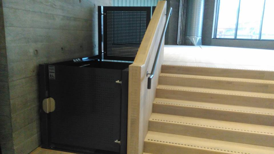 Platform lift by KEP Lifts