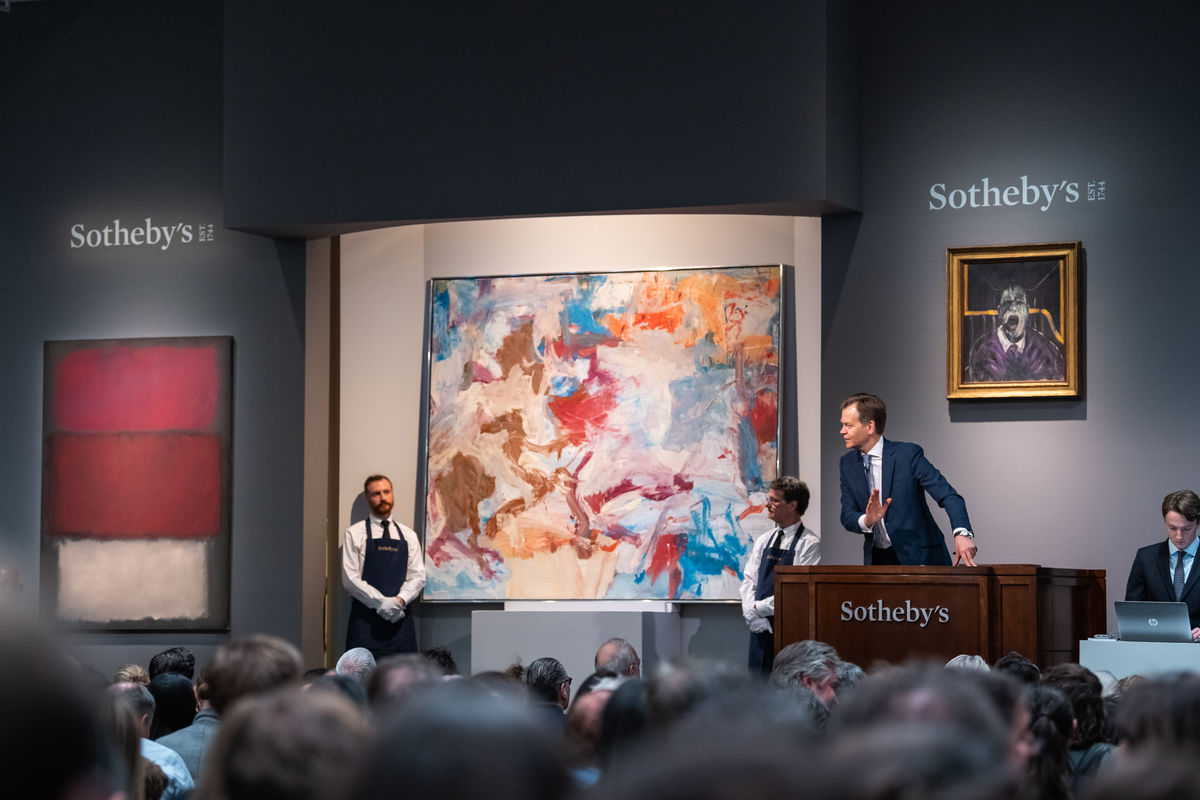 An art auction at Sotheby's. Image courtesy Sotheby's/ Artsy.