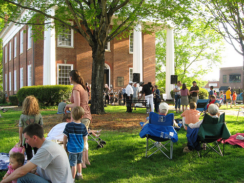 last friday courthouse lawn.jpg