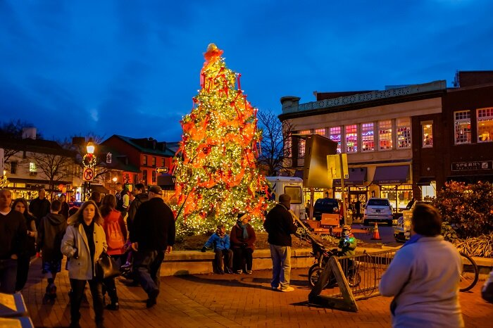 The Grand Illumination with annual tree lighting in downtown Annapolis.
