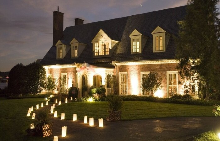 Annapolis by Candlelight allows visitors to enjoy some of downtown's finest dwellings.