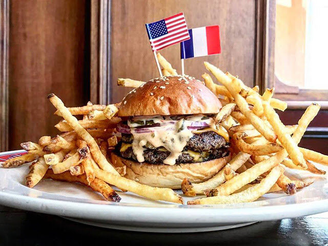 Burger Americain Le Diplomate.jpg