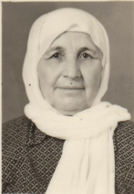 Nada's mother