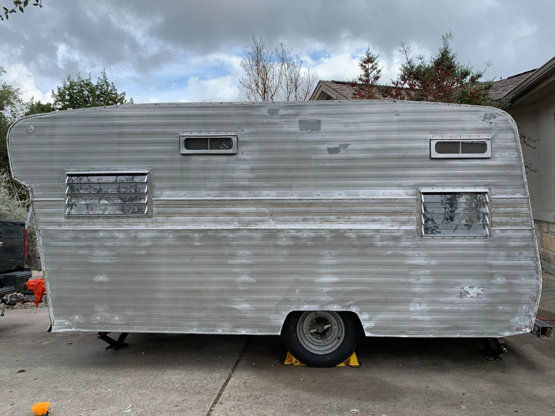 The Cameo Camper Renovation: Repairing holes in aluminum