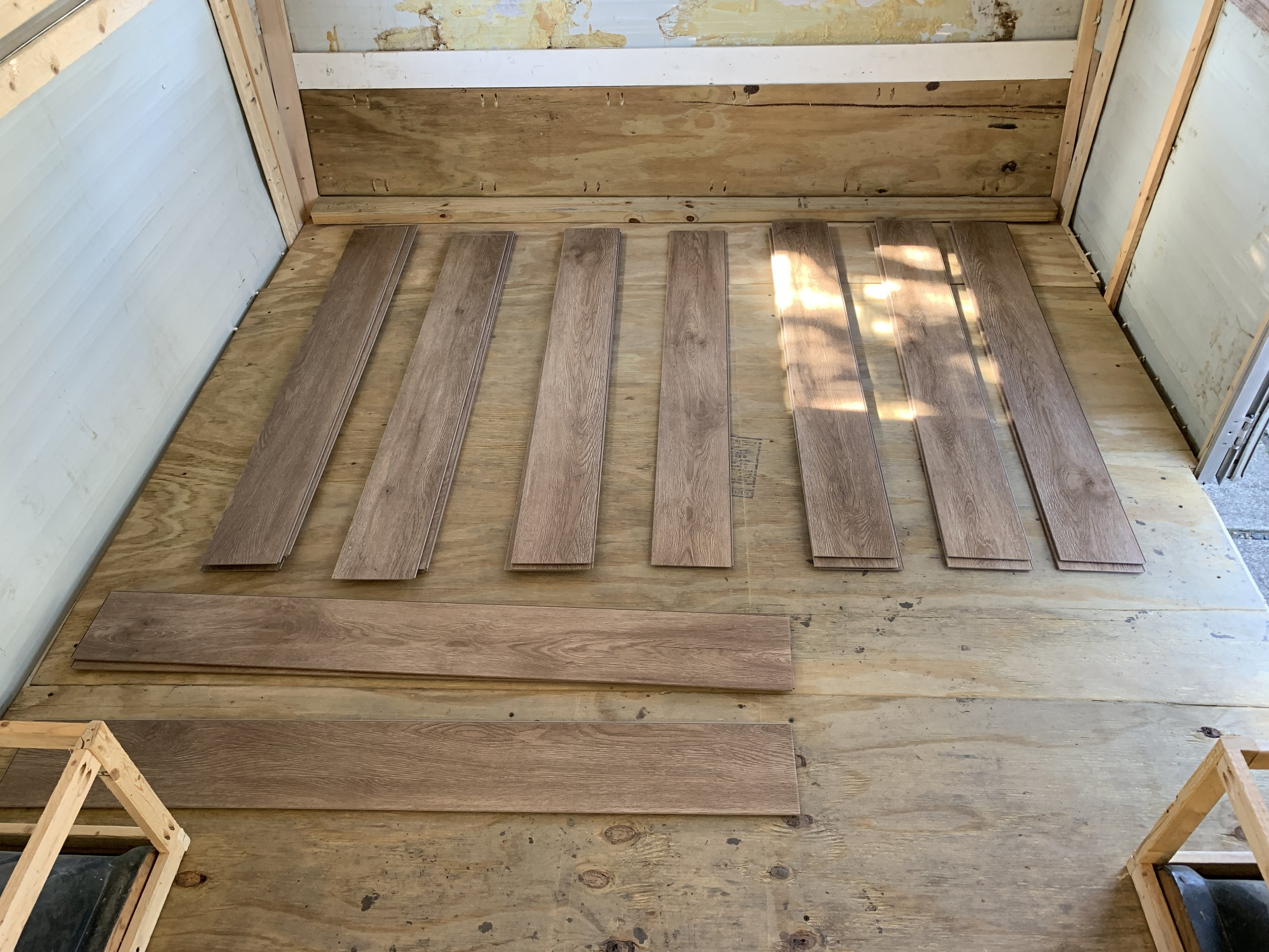 Separated planks by pattern