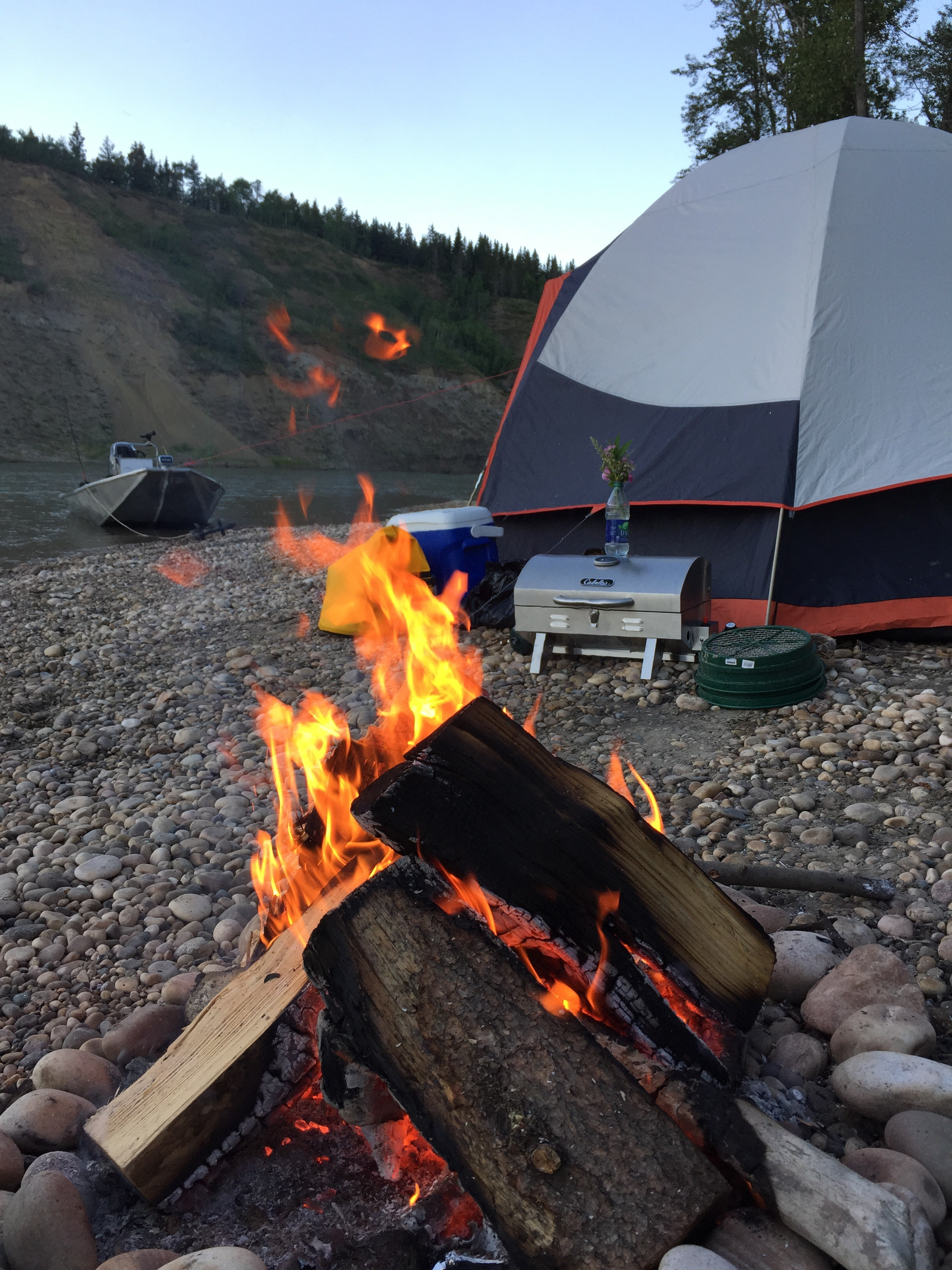Spend the night out on an island on the North Saskatchewan River with Lunkers Fishing Adventures. Nothing is set in stone. If you have and idea, pitch it to us and we can make it happen.  We specialize in making your outdoor adventures personalized and memorable.(Fires only permitted when fire bans are lifted)