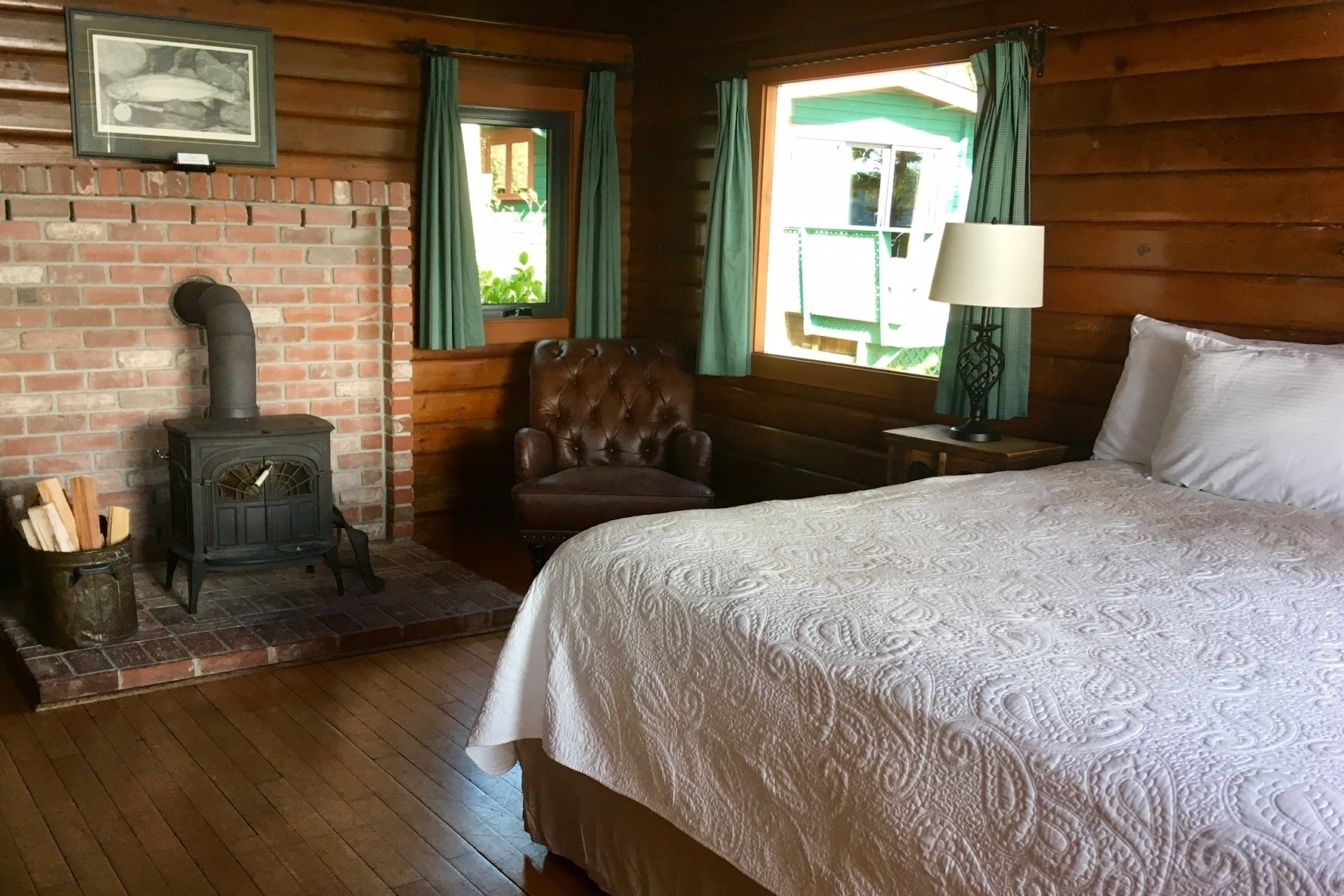 CABIN 4 & 5 - Duplex Studio  Two separate studios that share one of the most captivating views. From $219-$295