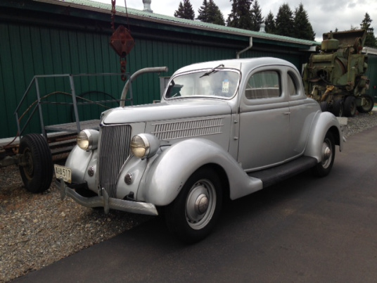 "1936 Ford 5 Window<div class=""sold"">sold</div>"