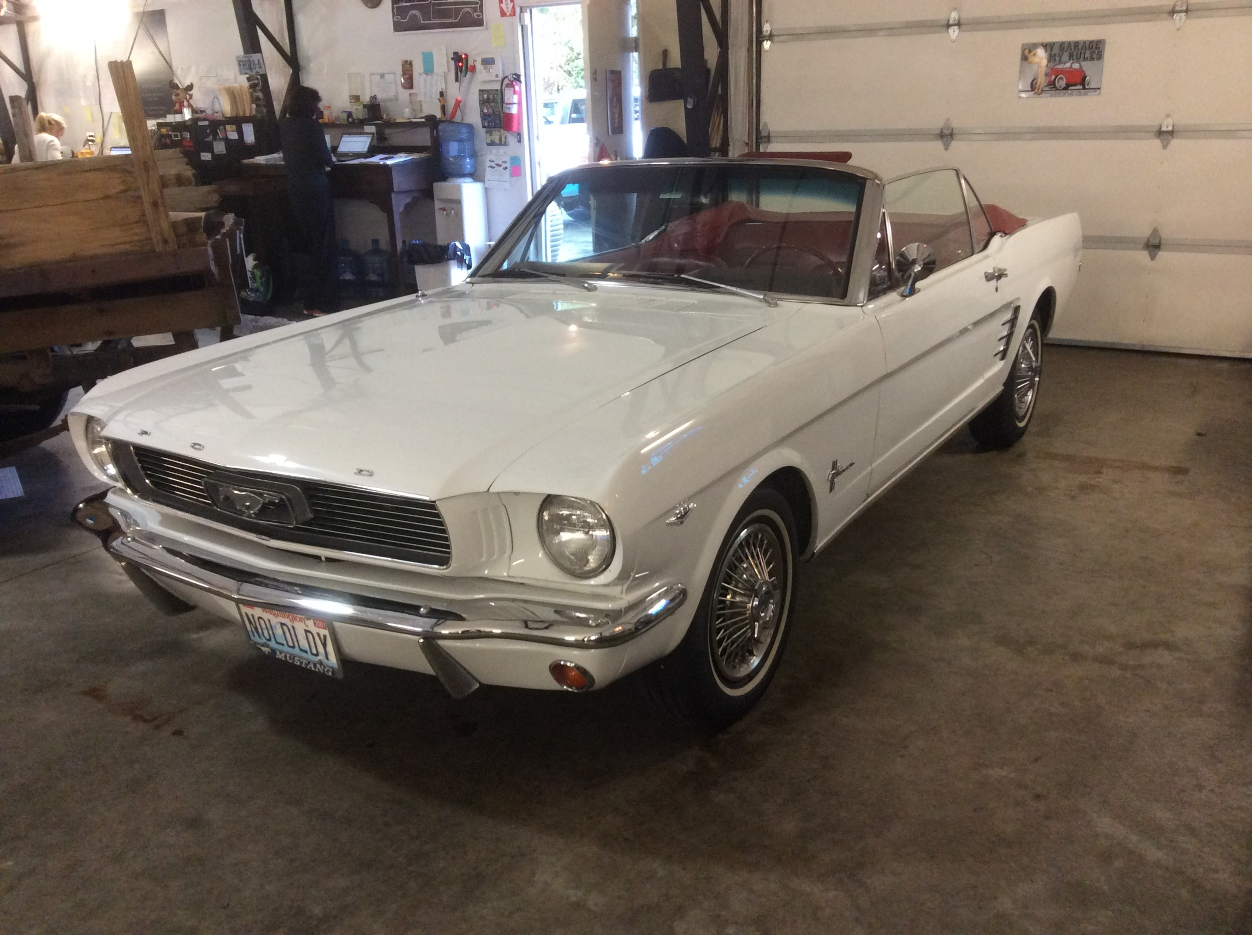 "1966 Ford Mustang Convertible<div class=""sold"">sold</div>"