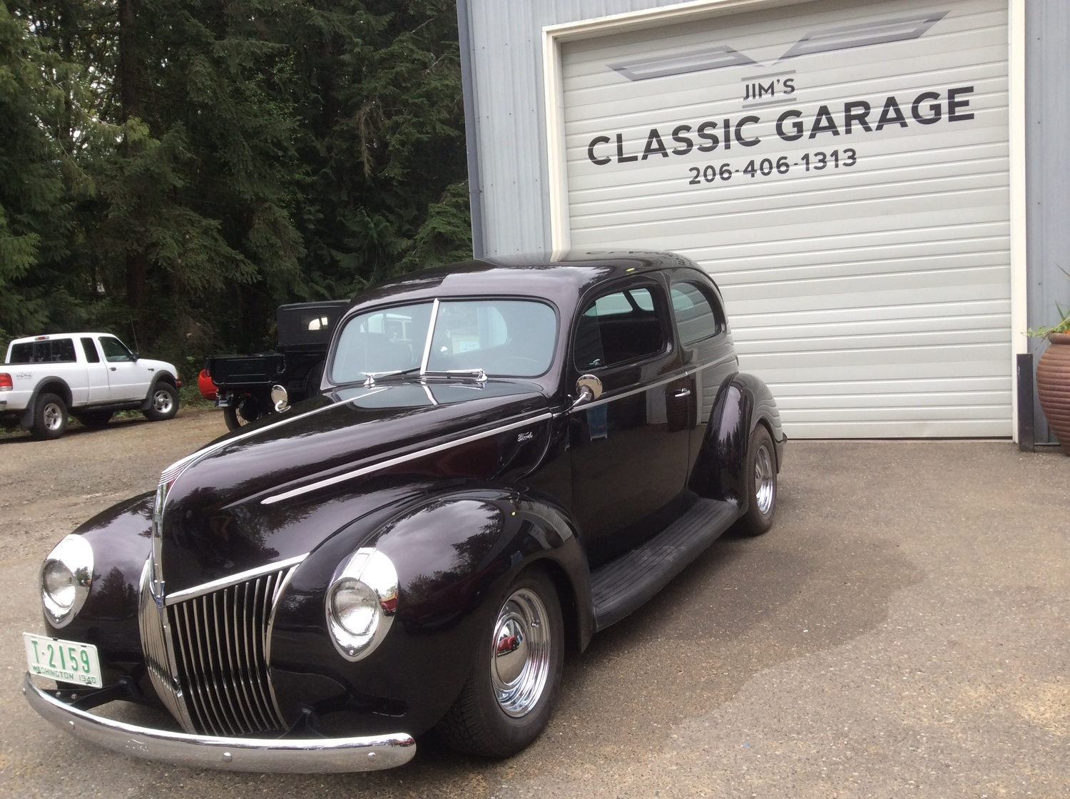 "1940 Ford Sedan <div class=""sold"">SOLD</div>"