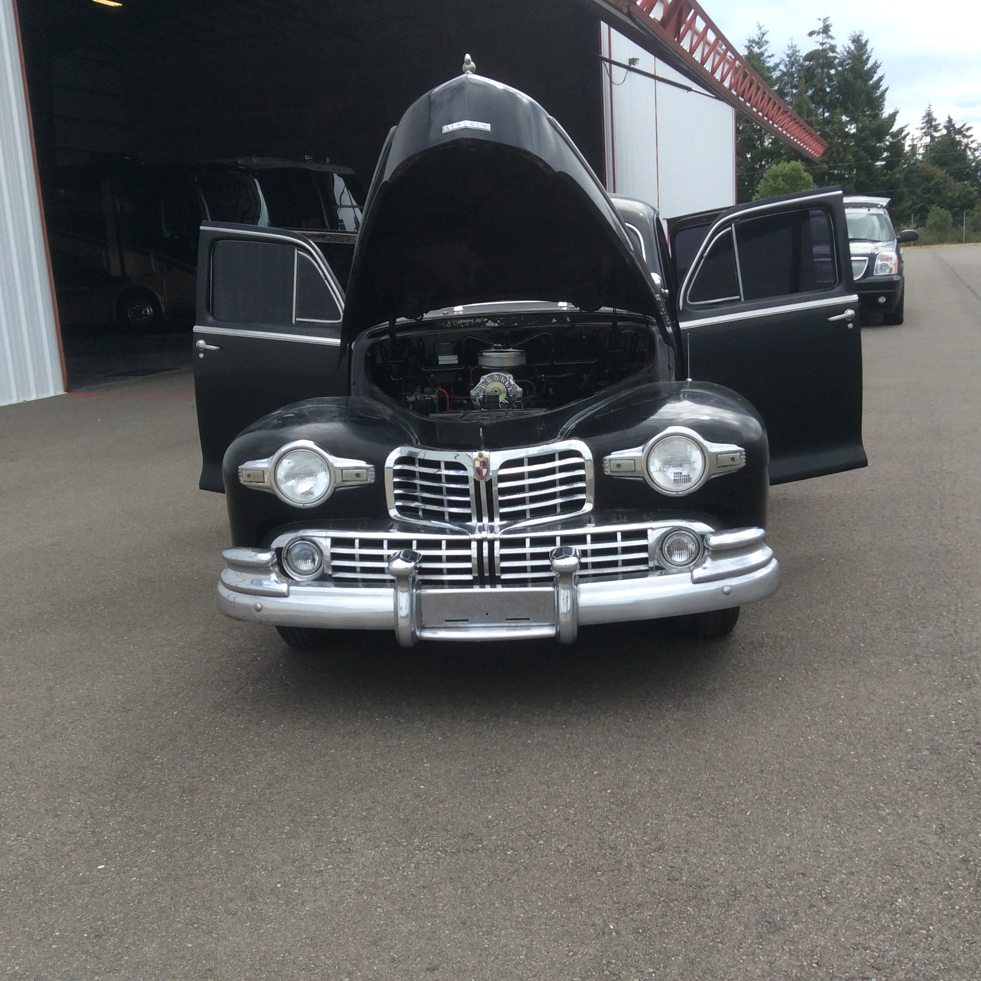 1948 Lincoln Zephyr (90).JPG