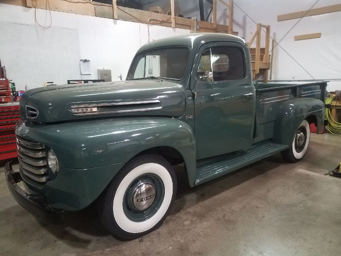 1949 FORD F2