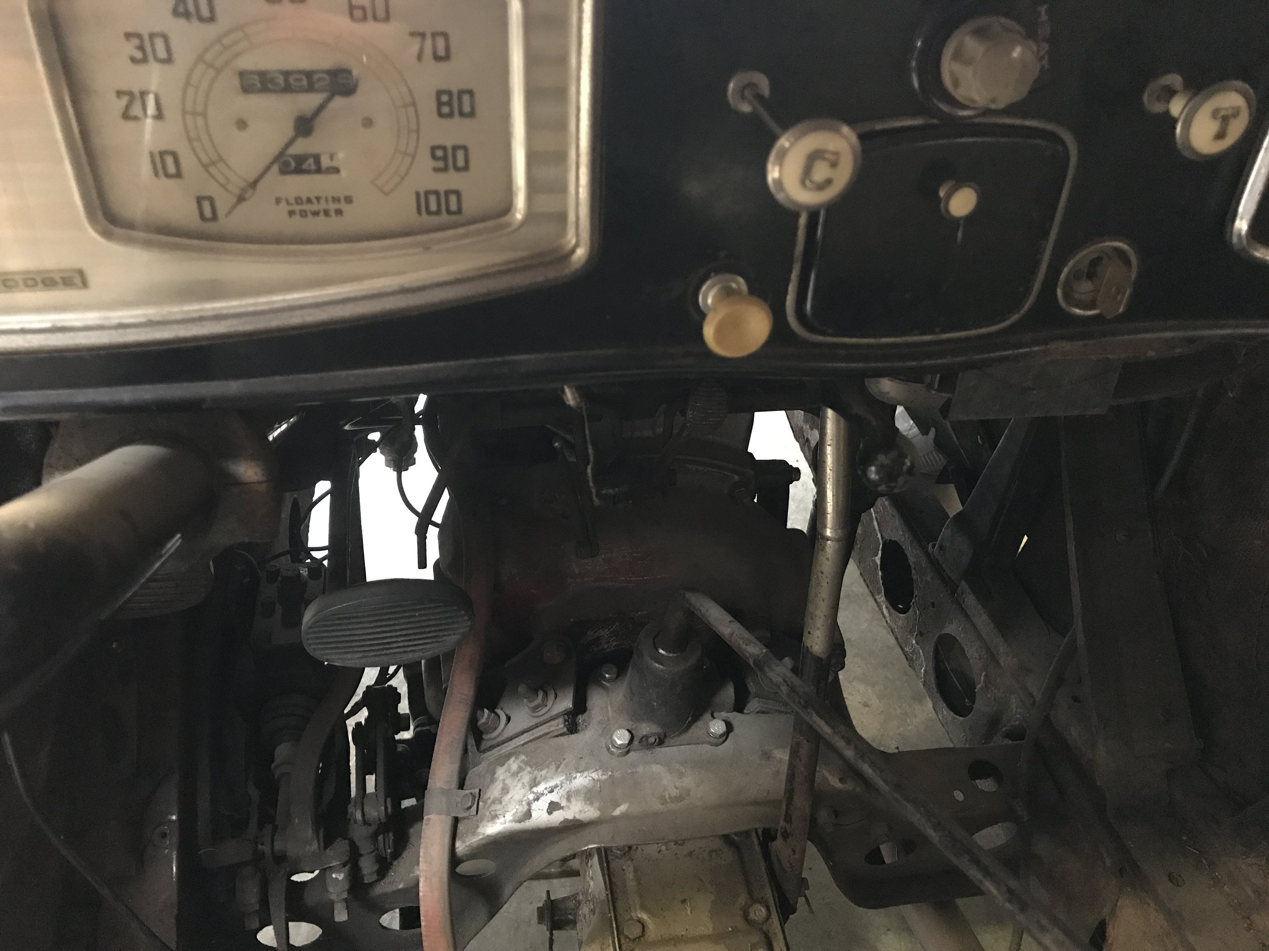 1934 Dodge Senior 6 (19).JPG