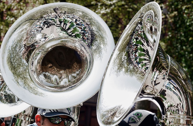 Music - Sit back and enjoy the sound of the Yarnton Brass Band.
