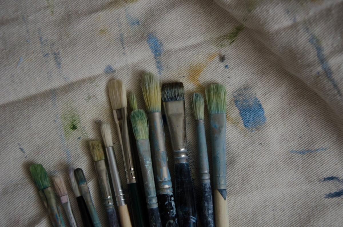 marysia-champ-canadian-prairie-landscape-artist-studio-process-brushes-paint-art