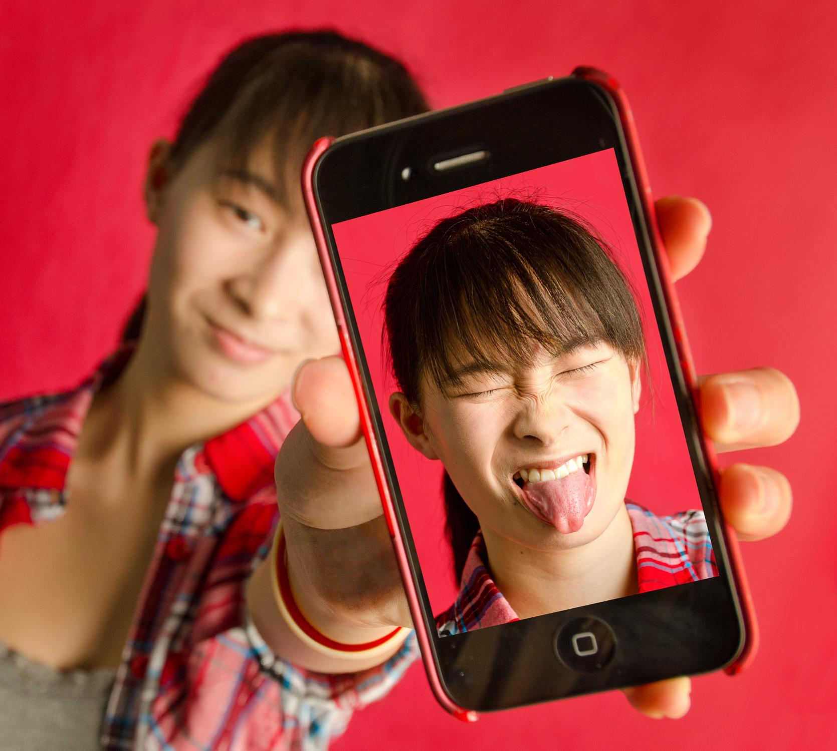 cellphonev2.jpg
