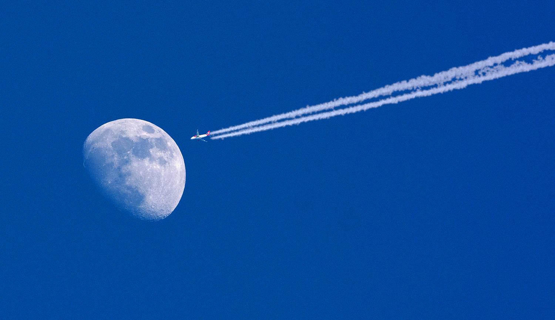 moonjet.jpg