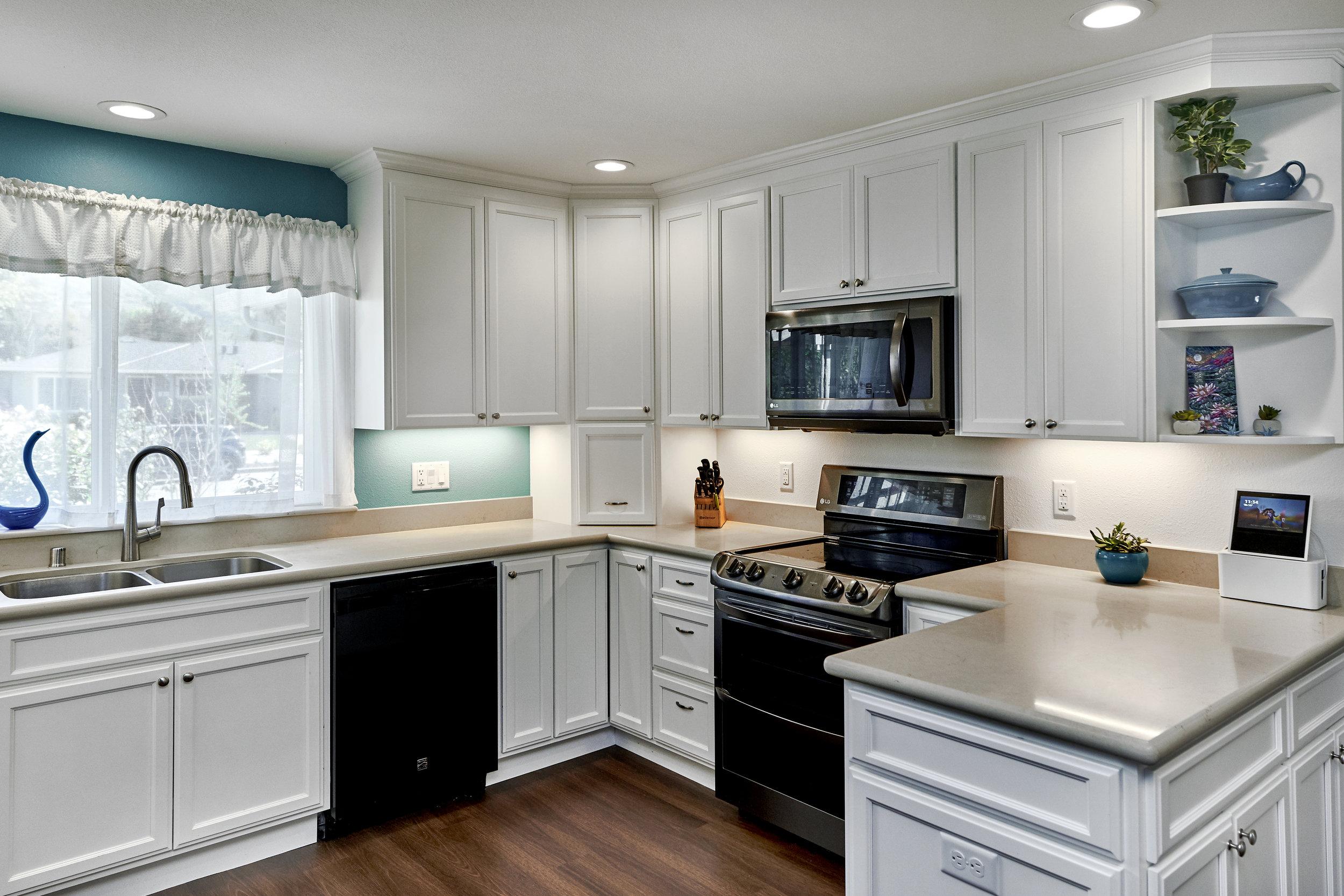 New peninsula kitchen 1.