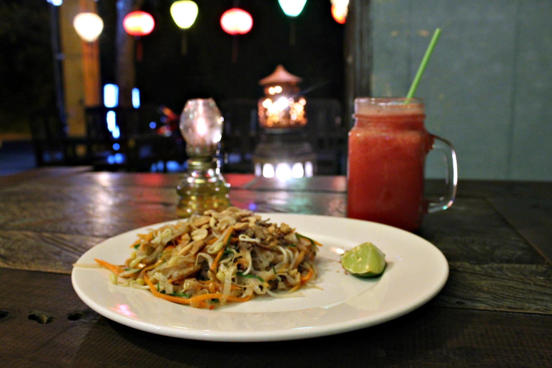 vegan Pad Thai and watermelon juice at Am Restaurant