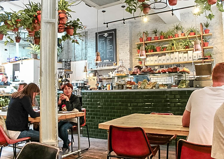 A GUIDE TO THE BEST CAFES IN LONDON