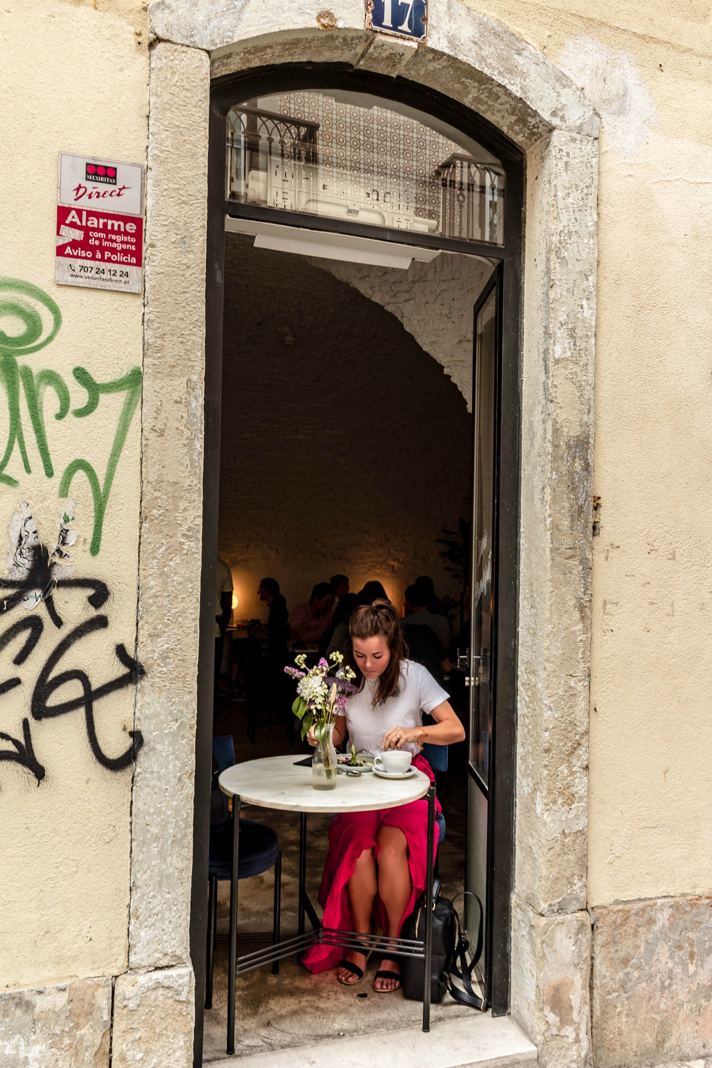 a café guide to Lisbon, Portugal: the coolest coffee shops + best brunch in Lisbon