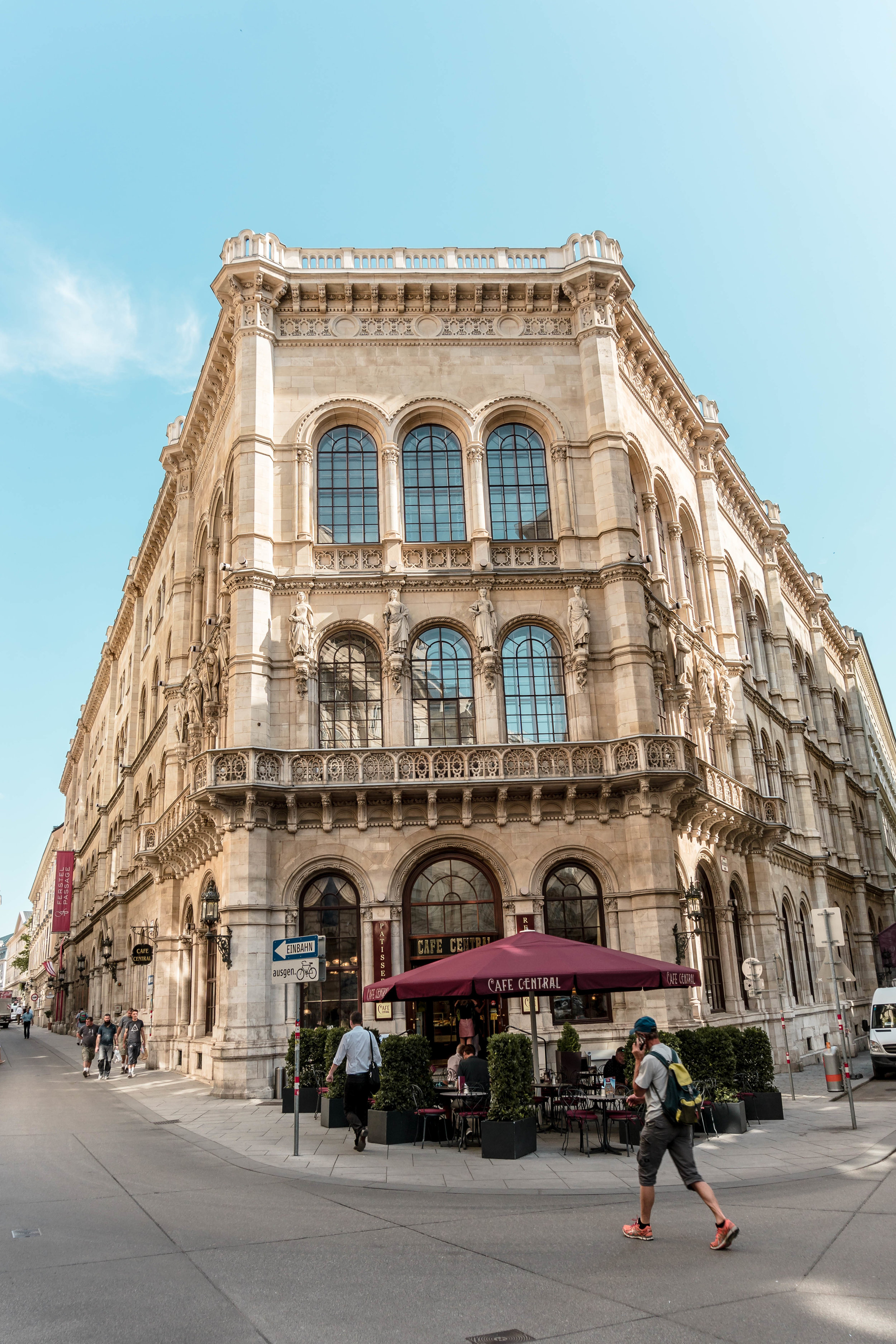 the big guide to Vienna, Austria: where to eat, how to get around, + the best things to do in Vienna