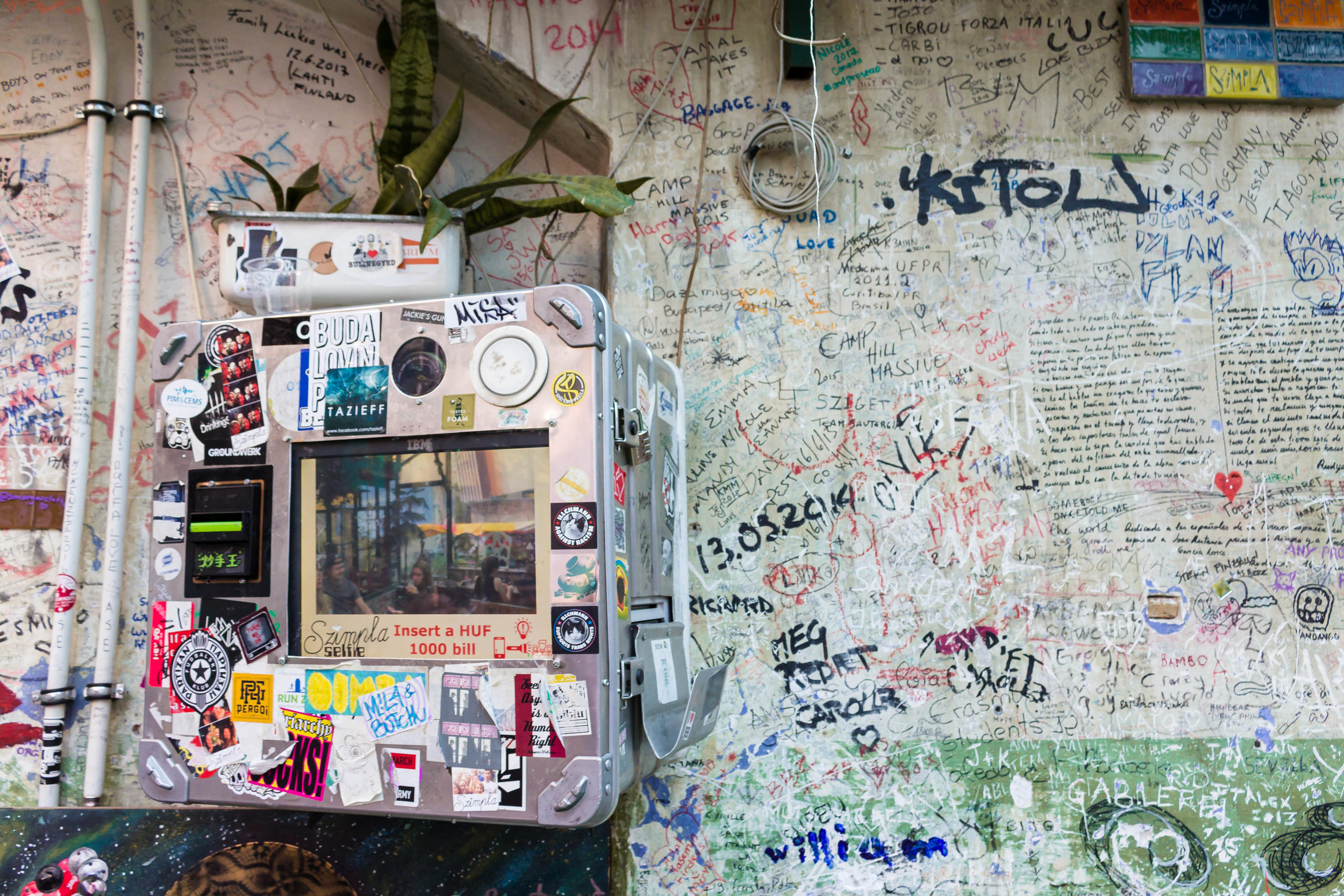 where to find the best street art + alternative ruin pubs in Budapest: a locally-led tour with BudapestFlow