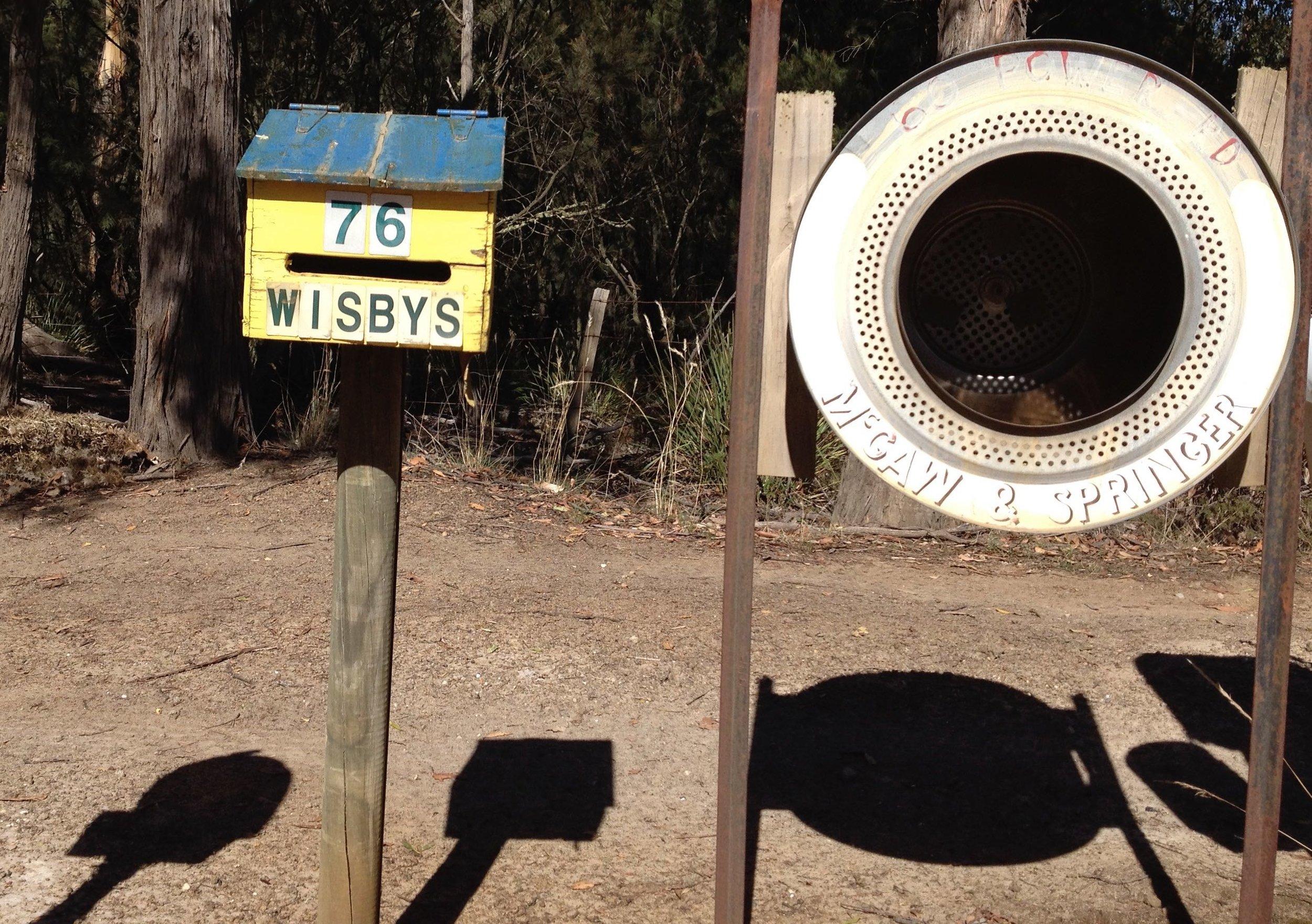 Tasmanian_mail_box_2.jpg