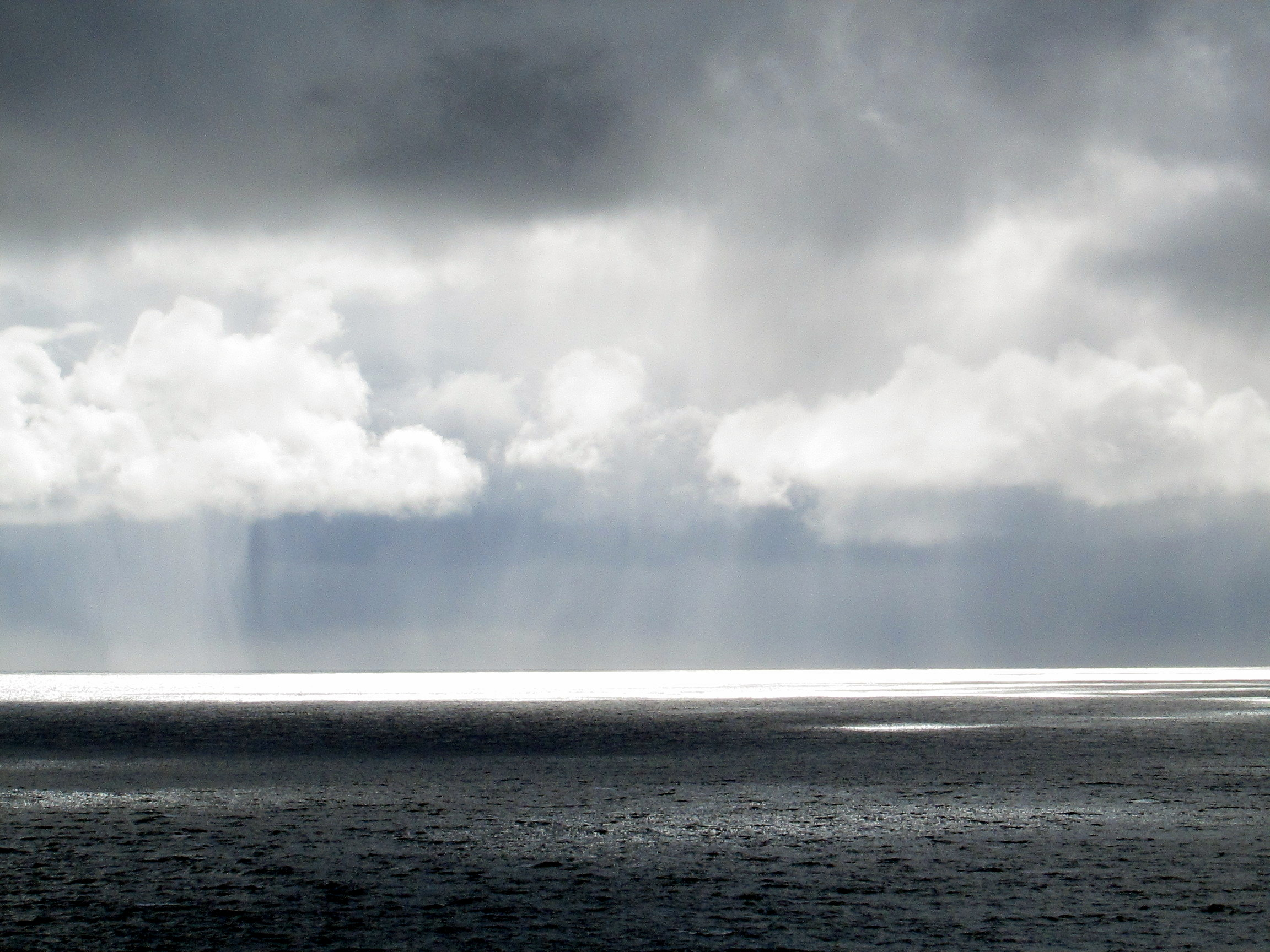 Weather off Sumburgh Head by Reading Tom. CC 2.0 https://www.flickr.com/photos/16801915@N06/18443003173/