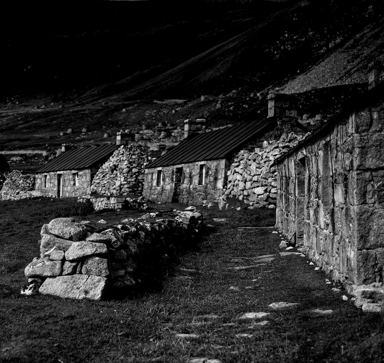 Ruined cottages, Village Bay