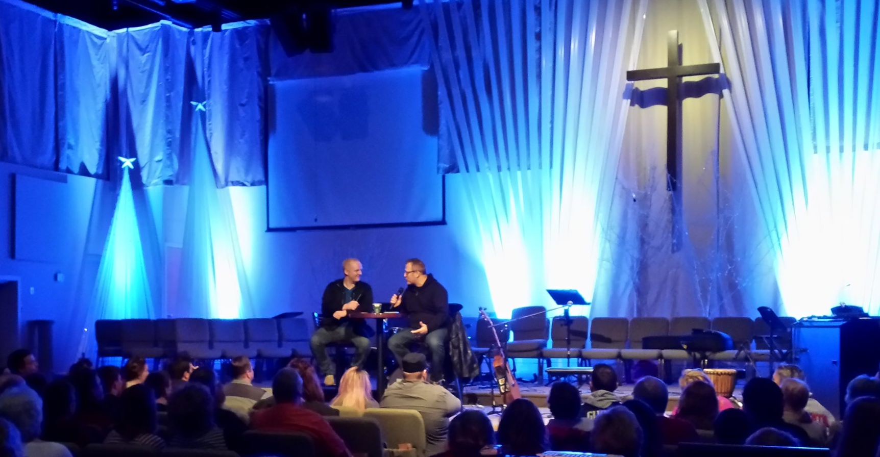 Paul Colman being interviewed by Dan Elliott at the start of the concert on Sunday.