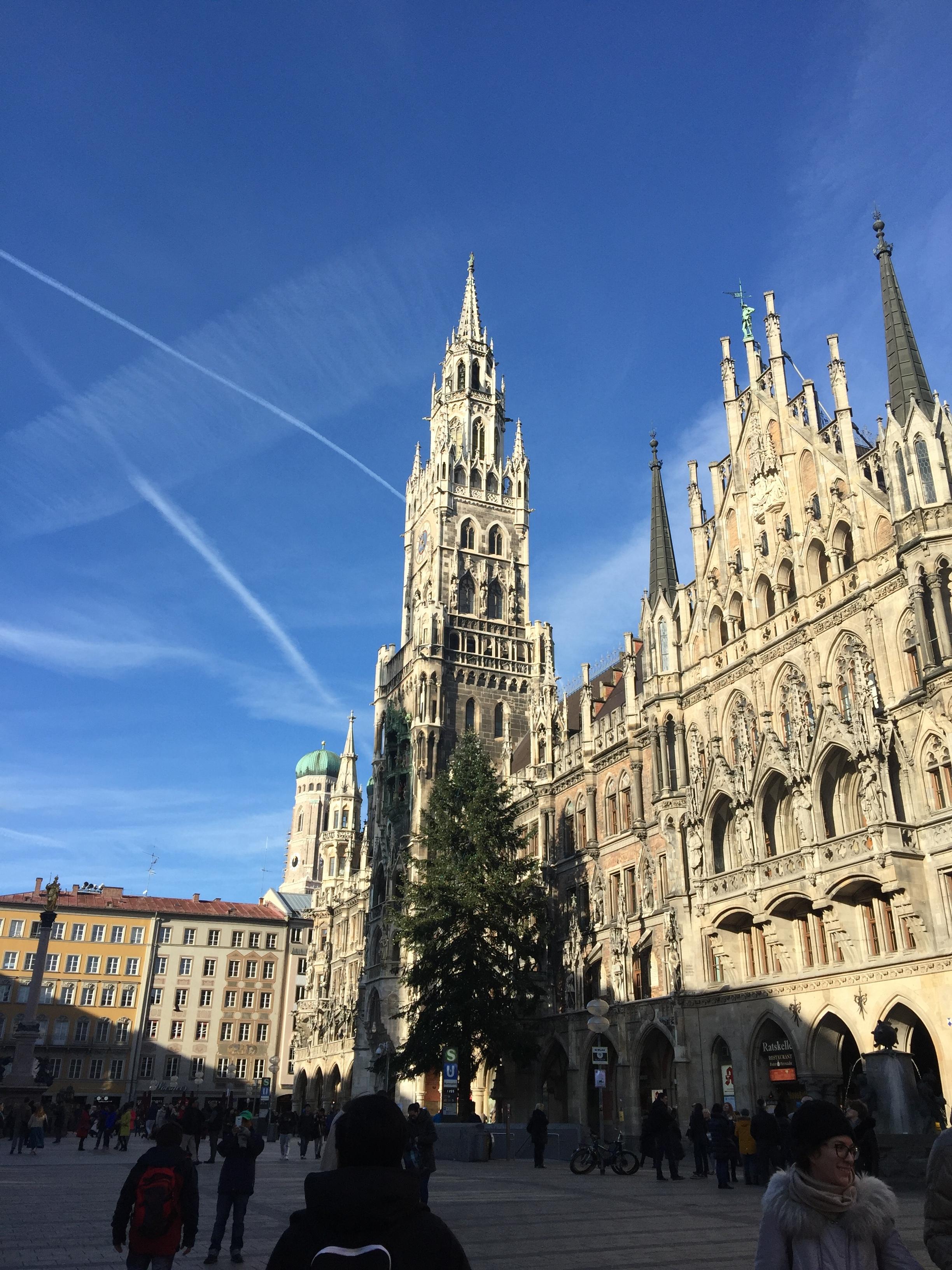 Pendulum Magazine A Day in Munich New Town Hall