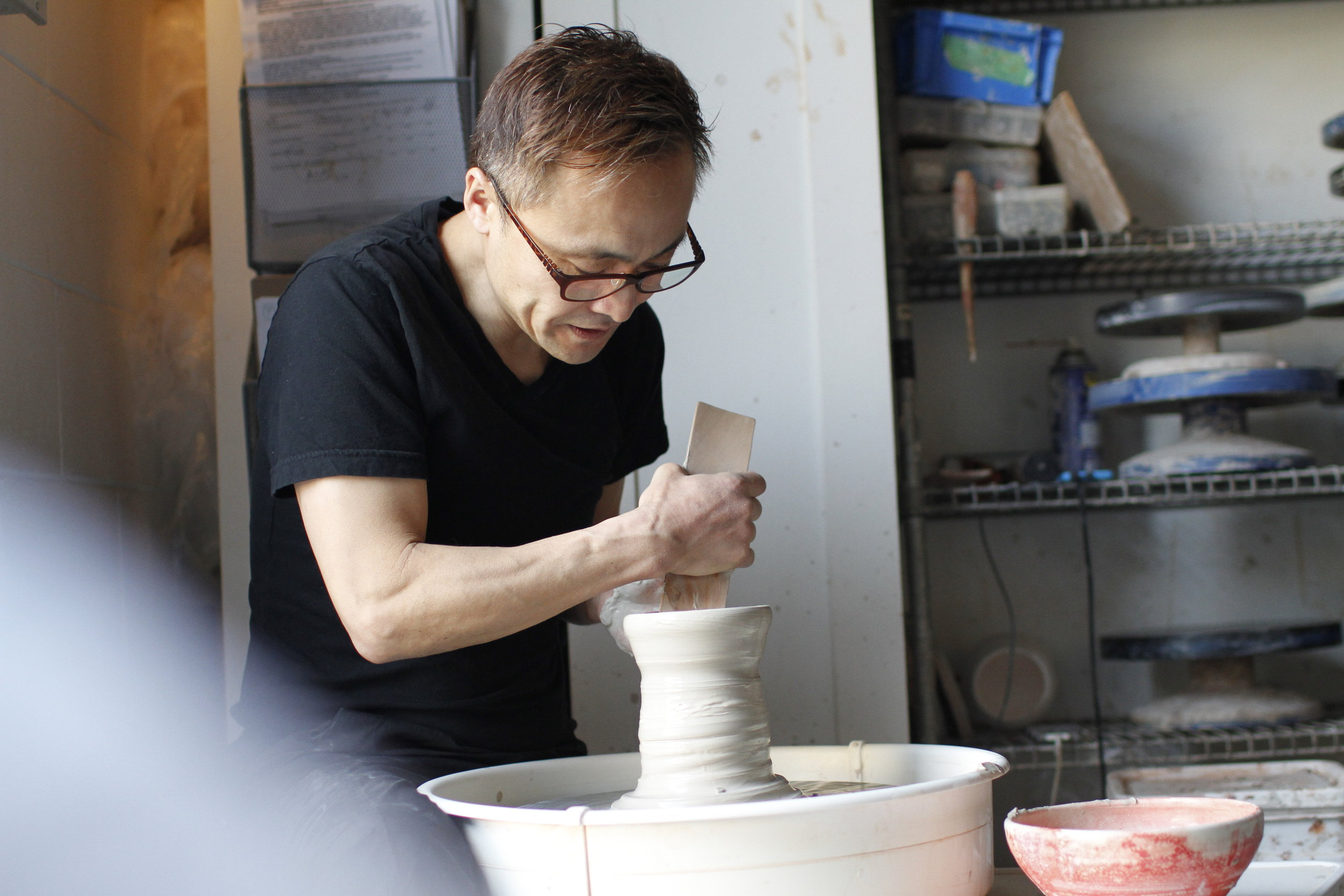 HiDe Ebina on the ceramic wheel