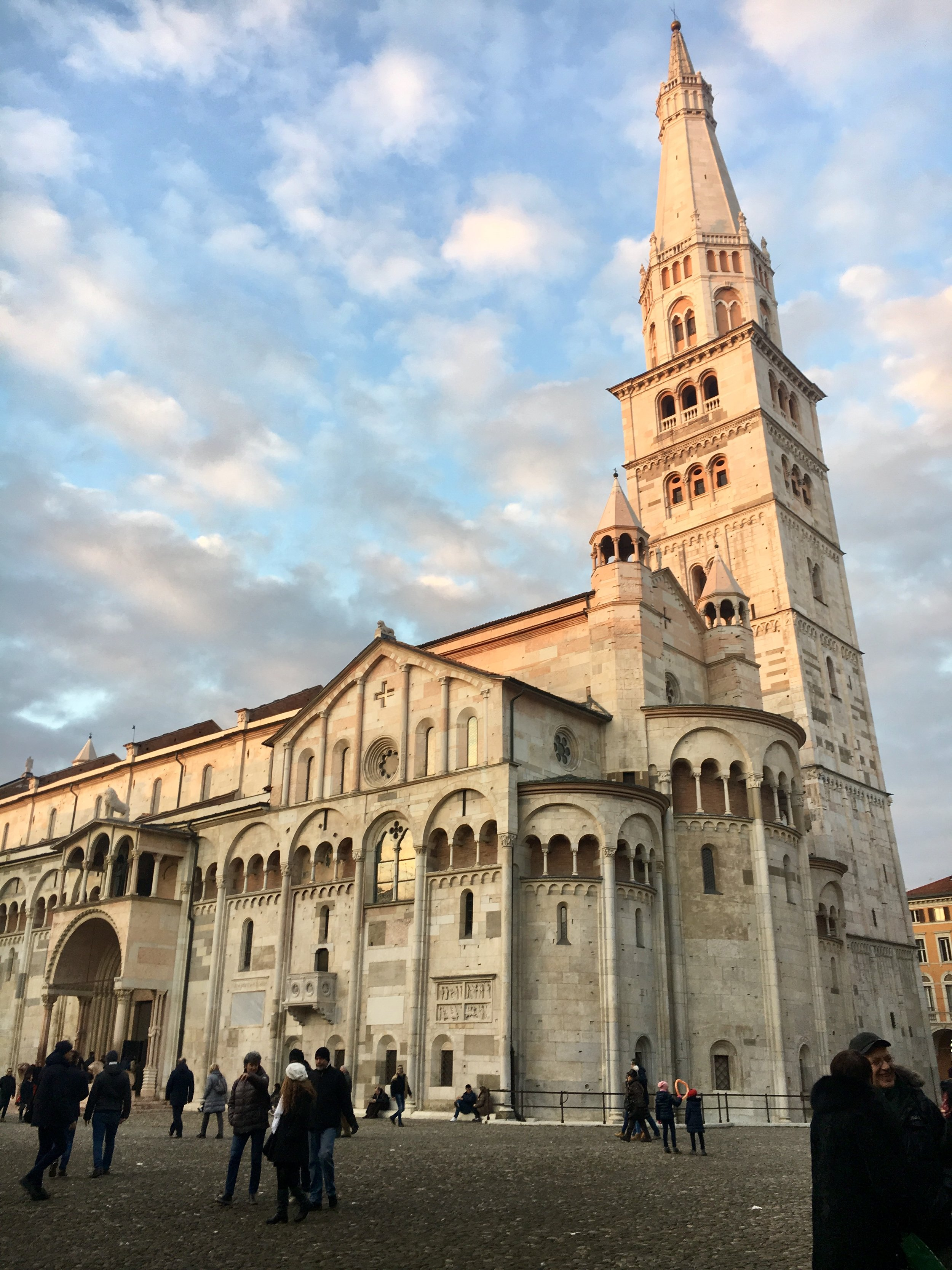 Modena_Cathedral.jpg
