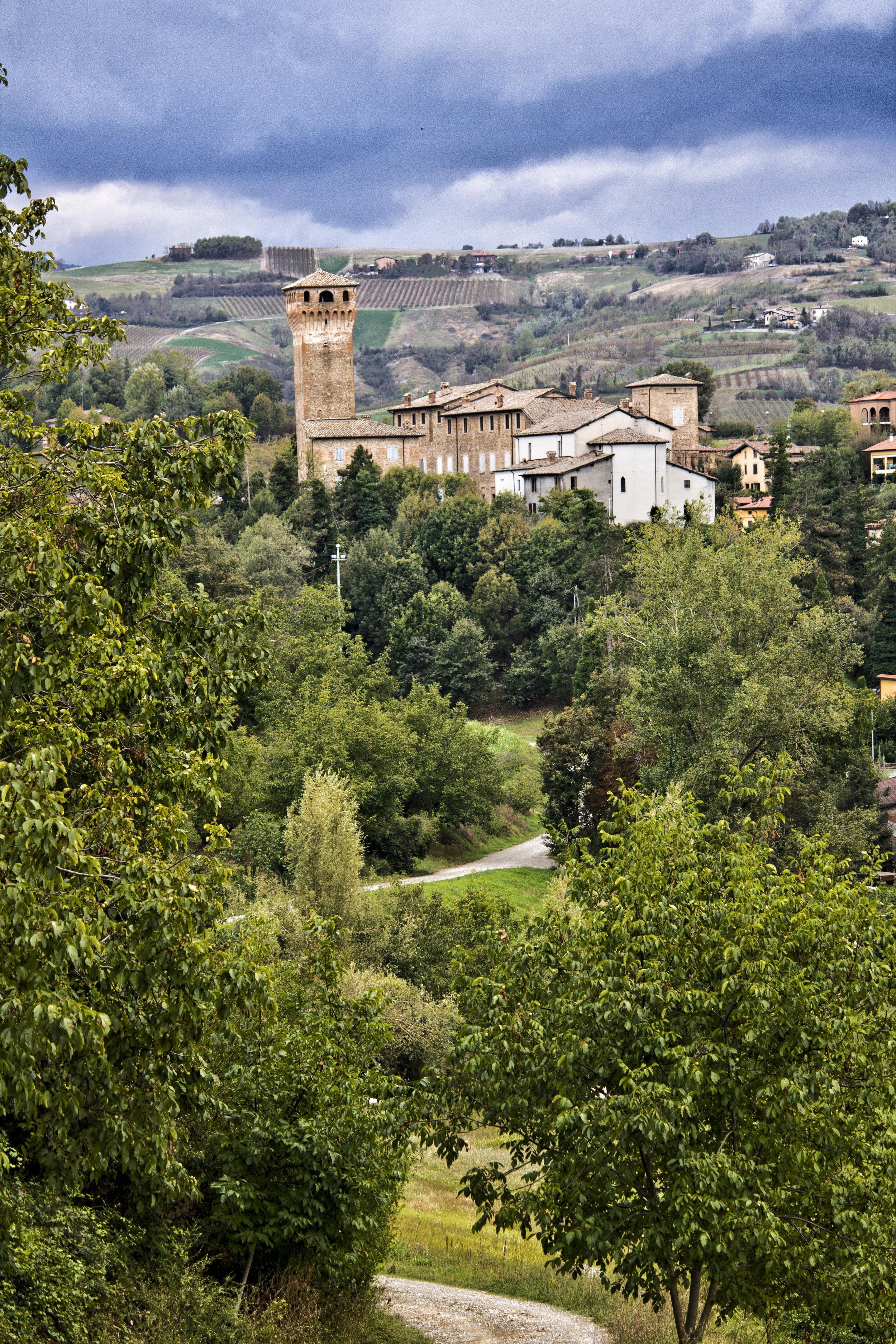 PhotoCredit_MonicaMontanari- LevizzanoRangone_Castle.jpg