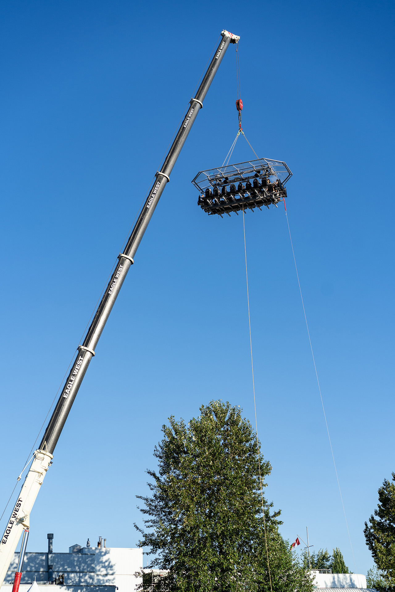 A 200-ft crane takes you 150-ft into the sky to dine with the beautiful sunset as your backdrop.