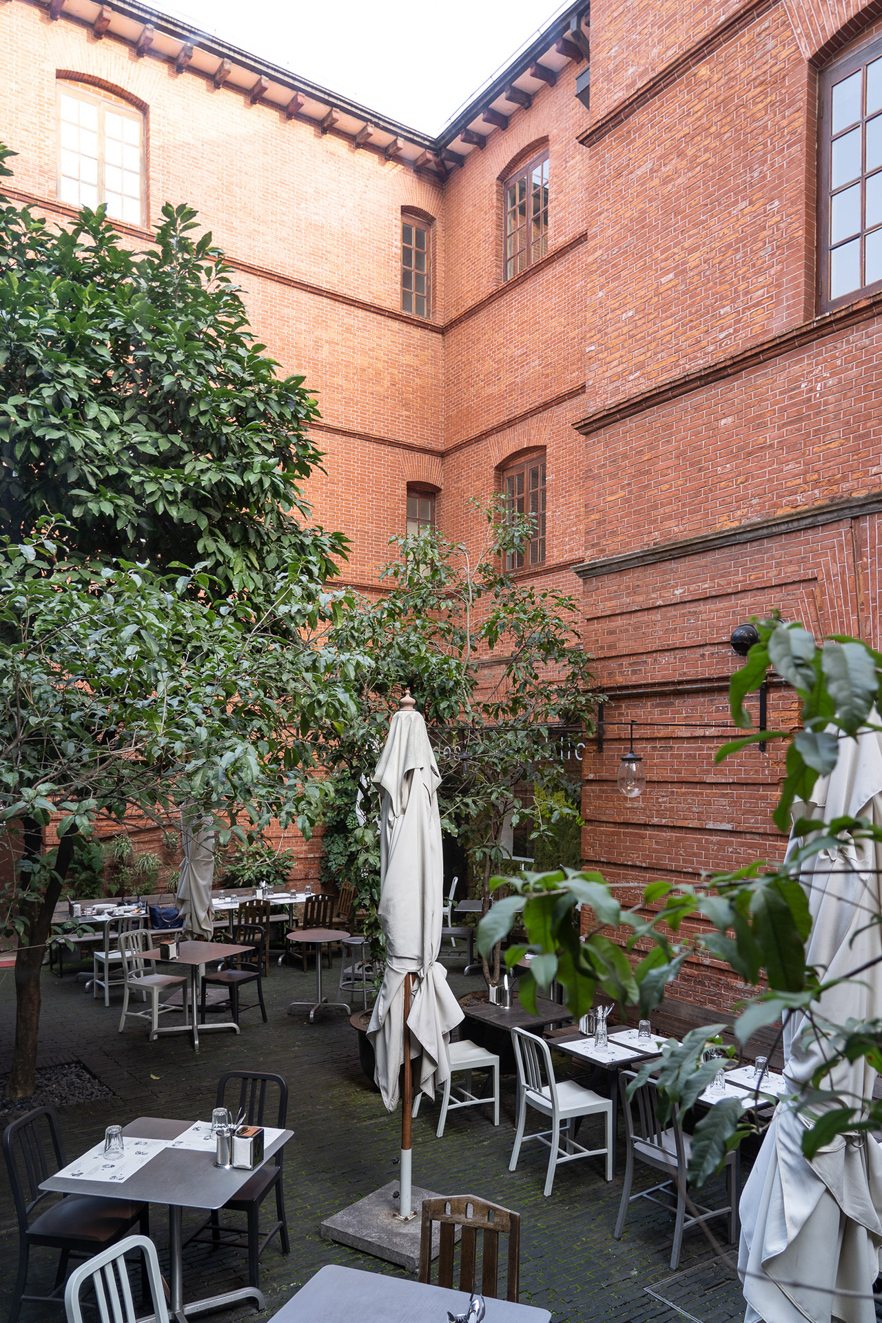 The spacious outdoor dining courtyard.