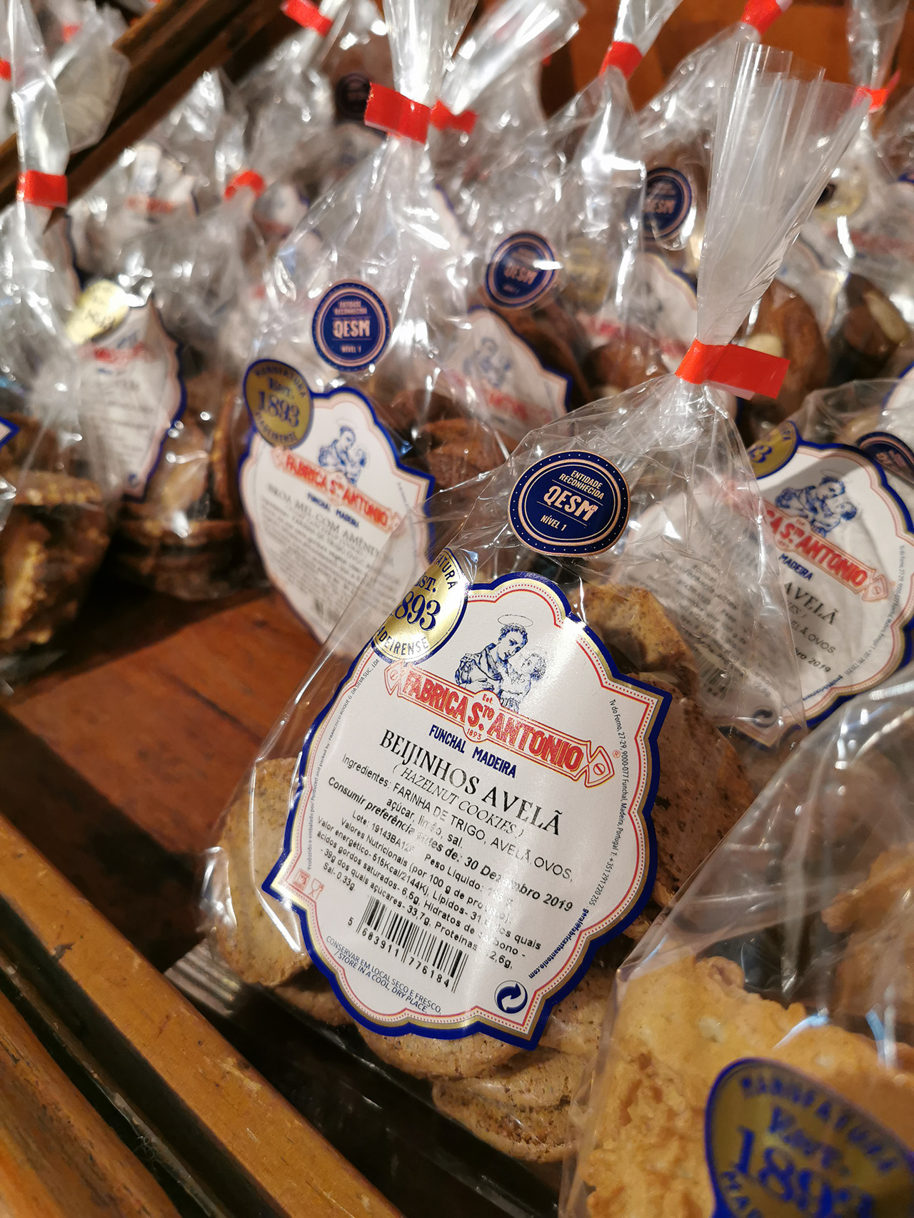 Tasty cookies that make for great souvenirs.