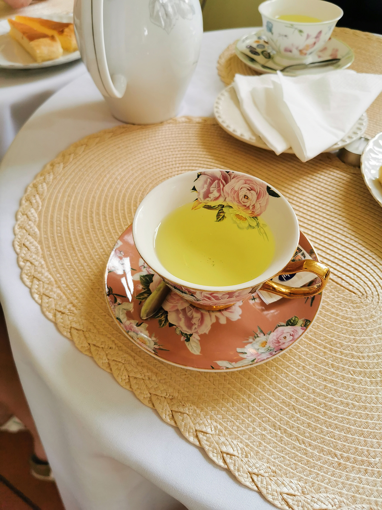 Aromatic fennel tea served in beautiful cups.