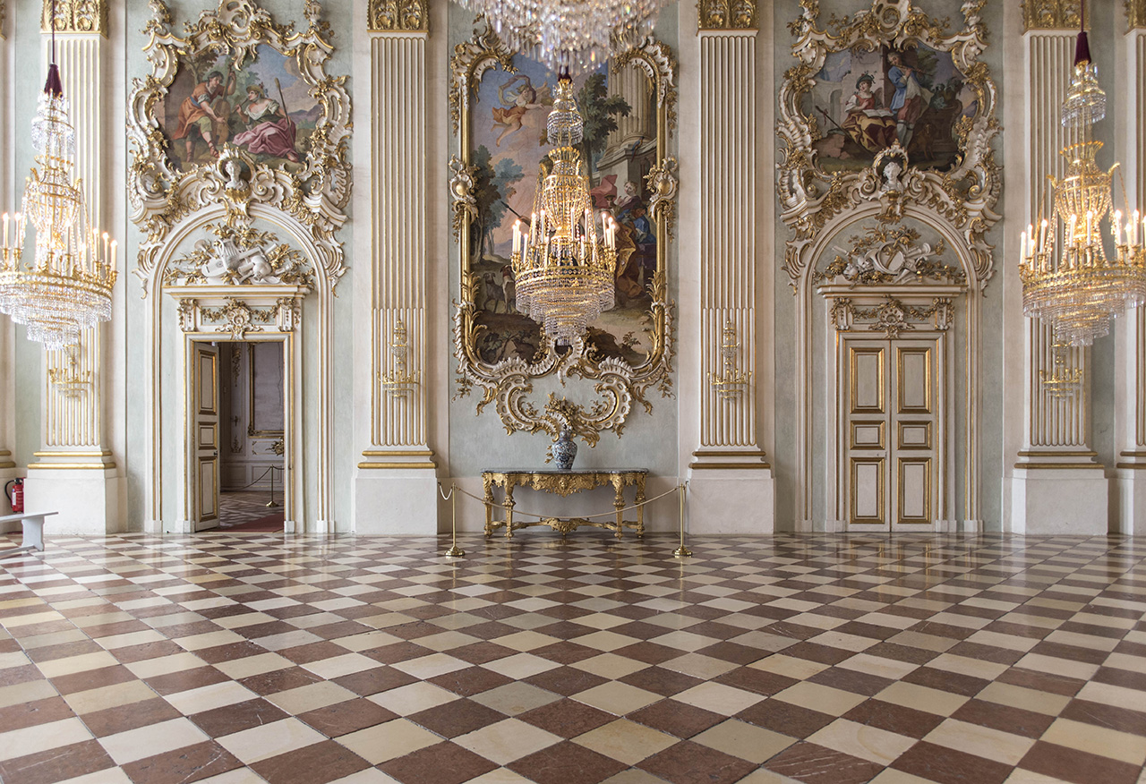 Pendulum Magazine - A Day in Munich Nymphenburg Palace