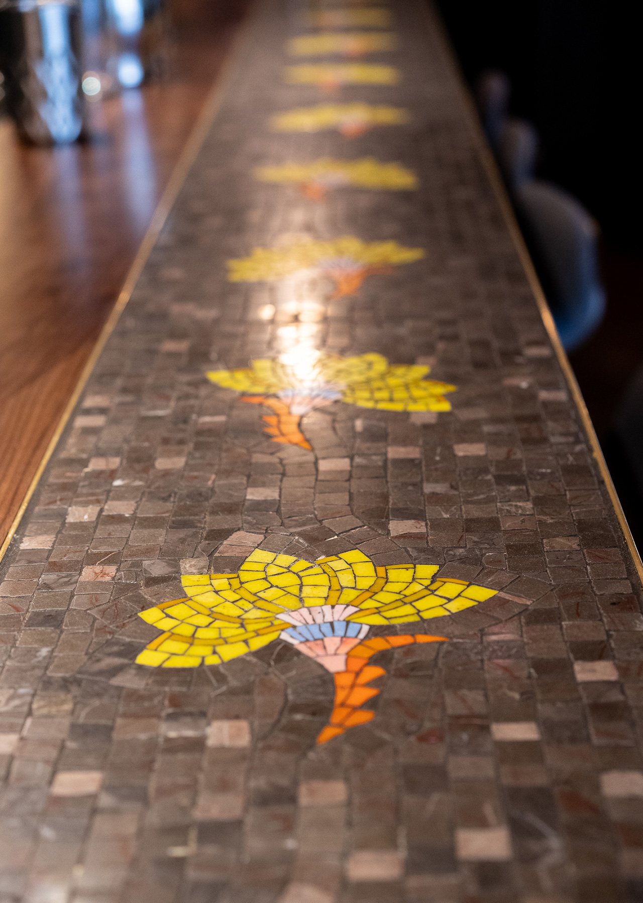 Details on the bar countertop.