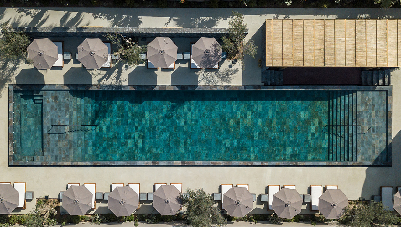 Bird's eye view of the large shared pool.