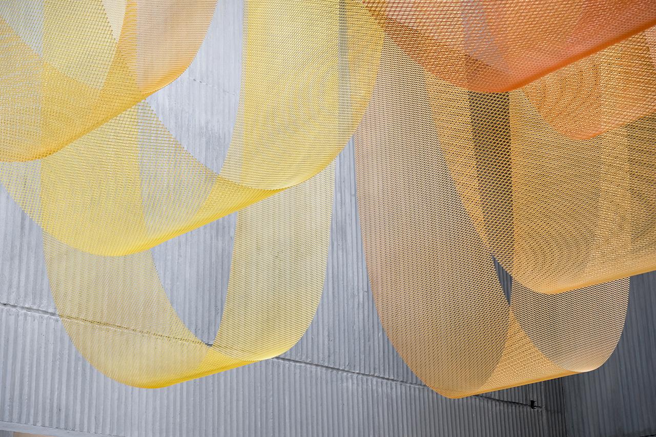 ©BenjaminCadena.  Hand-painted metal mesh.